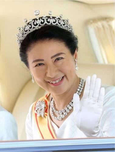 皇后 様 は 日本 語 を 含め 何 ヶ国 語 を 話 され る か
